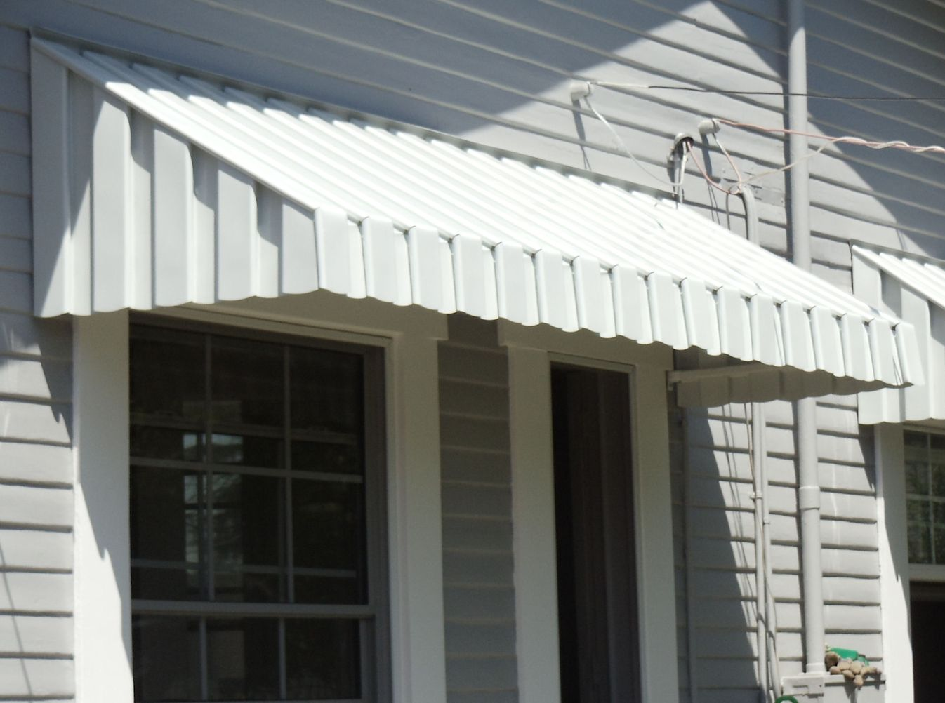 get your house protected with the aluminum awnings carehomedecor