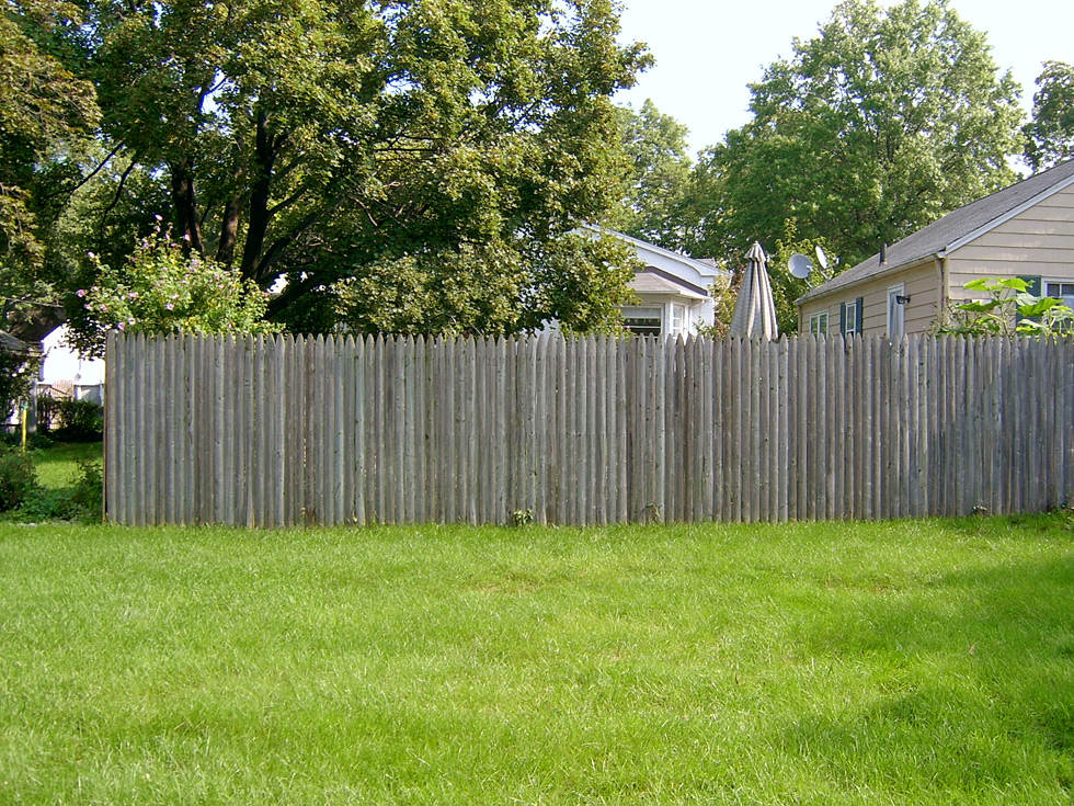 Fencing ideas for backyards 28 images patio foxy for Decorative fences for backyards