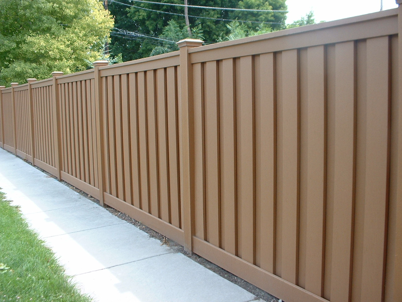 Strong And Maintenance Free Composite Fencing Carehomedecor