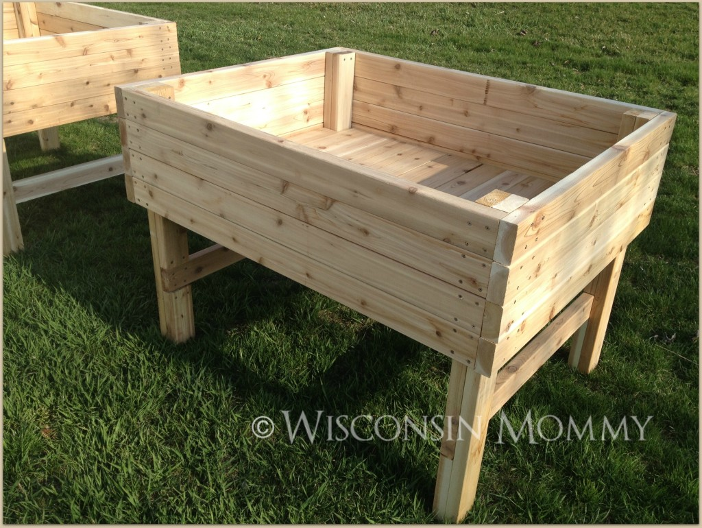 Elevated garden beds for good looks CareHomeDecor