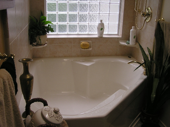 These Are Two Types But You Can Check Out Numbers Of Garden Tubs As Per  Your Choice, Style, And Convenience.