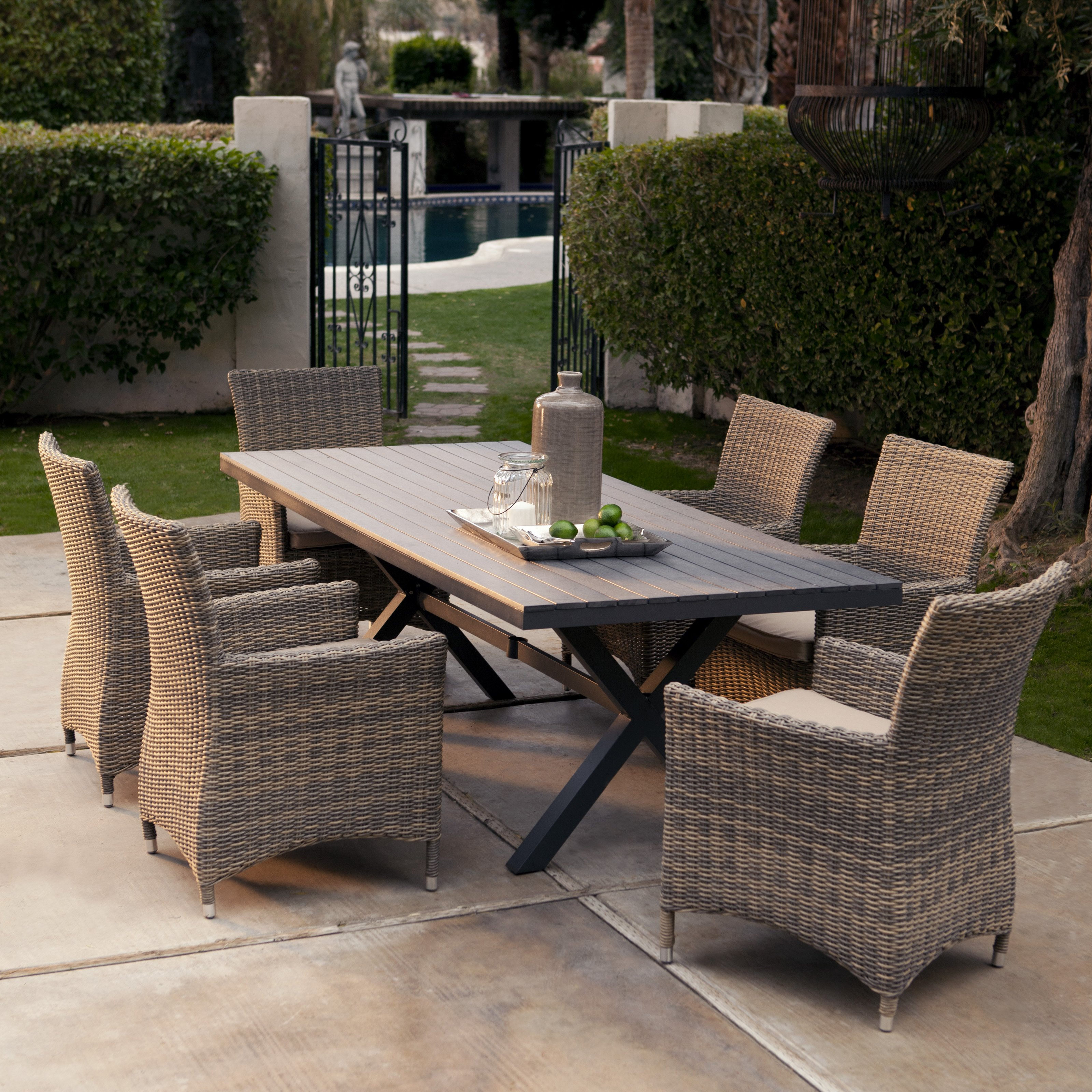 Outdoor dining set to enjoy your dinner – CareHomeDecor