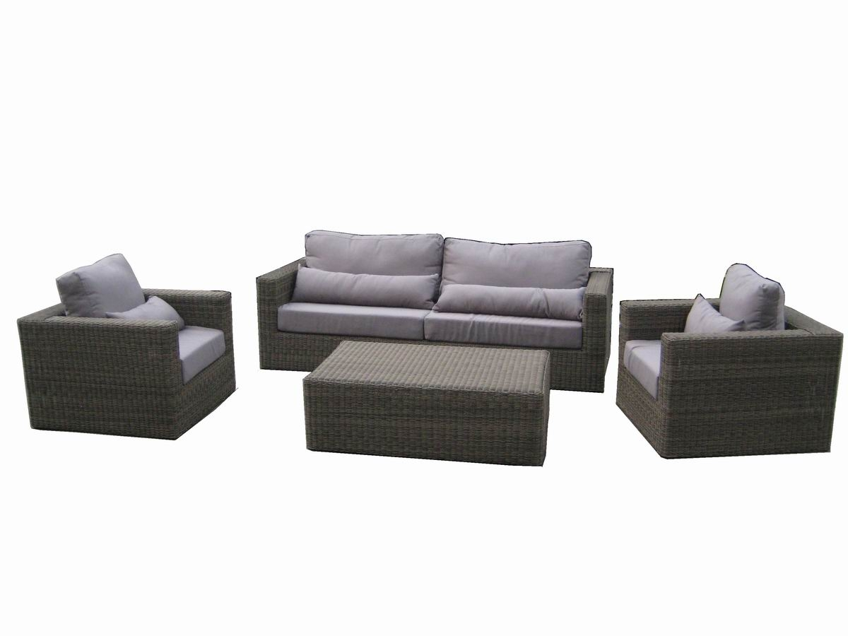Give Outstanding Look To Your Garden With Outdoor Patio Set Carehomedecor
