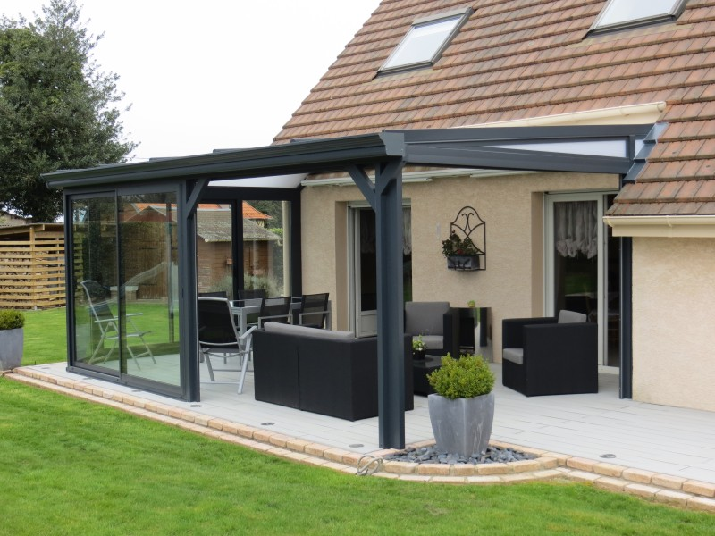 Pergola aluminium perfect fit to your garden carehomedecor - Terrasse en bois castorama ...