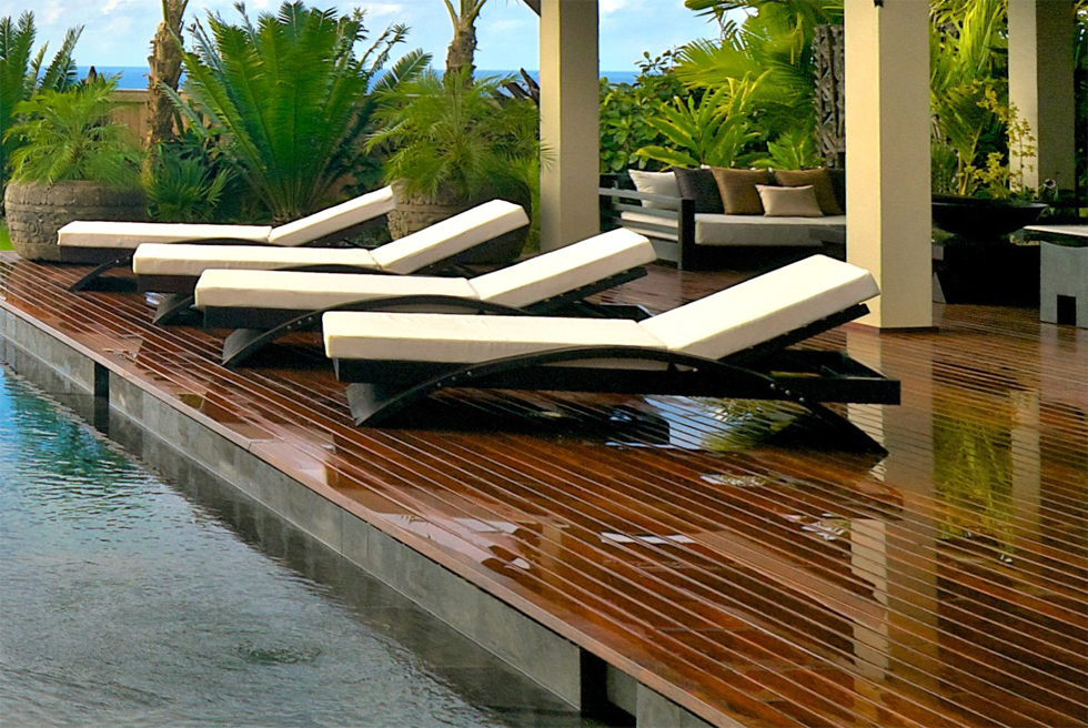 Types Of Pool Furniture To Intensify Your Pool S Beauty