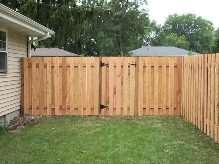 Change your ordinary fencing with new Privacy fence ... on Decorations For Privacy Fence id=46217