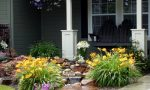 Grab the finest look with the small front yard landscaping