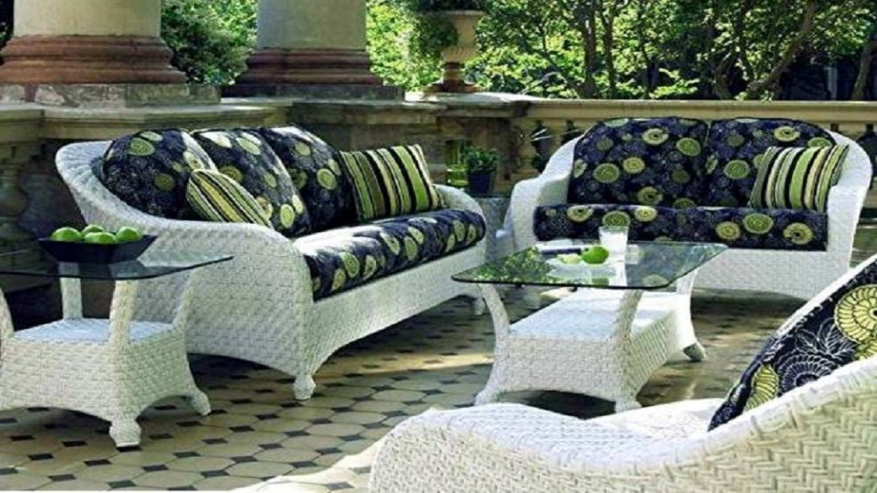Get A Decent Look With White Wicker Patio Furniture CareHomeDecor
