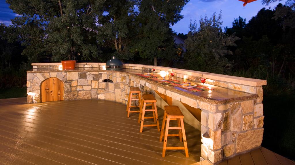 Backyard Bar  23