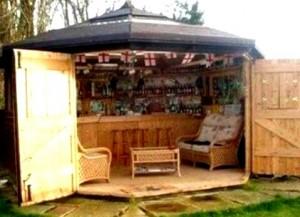 Backyard Bar  59