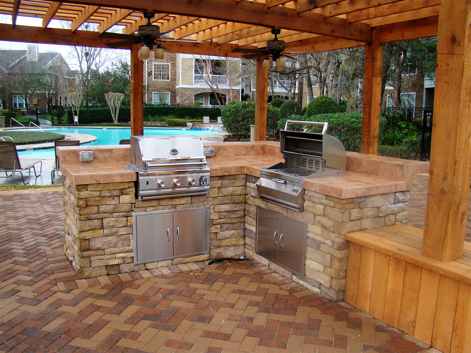 Backyard Kitchen  16