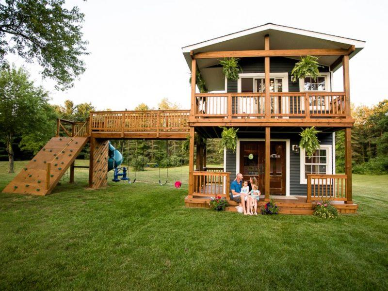 backyard playhouse  24