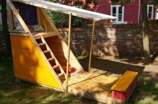 backyard playhouse  83