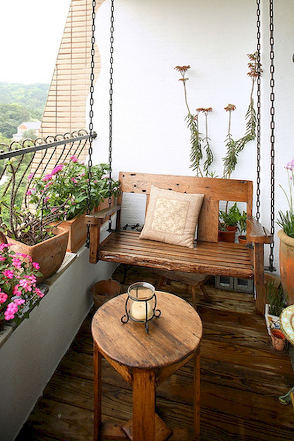 Balcony furniture to make the best use of extra space!