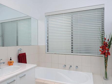 Bathroom blind  85