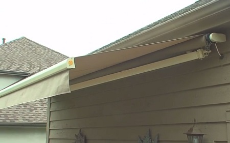 best house awning  08