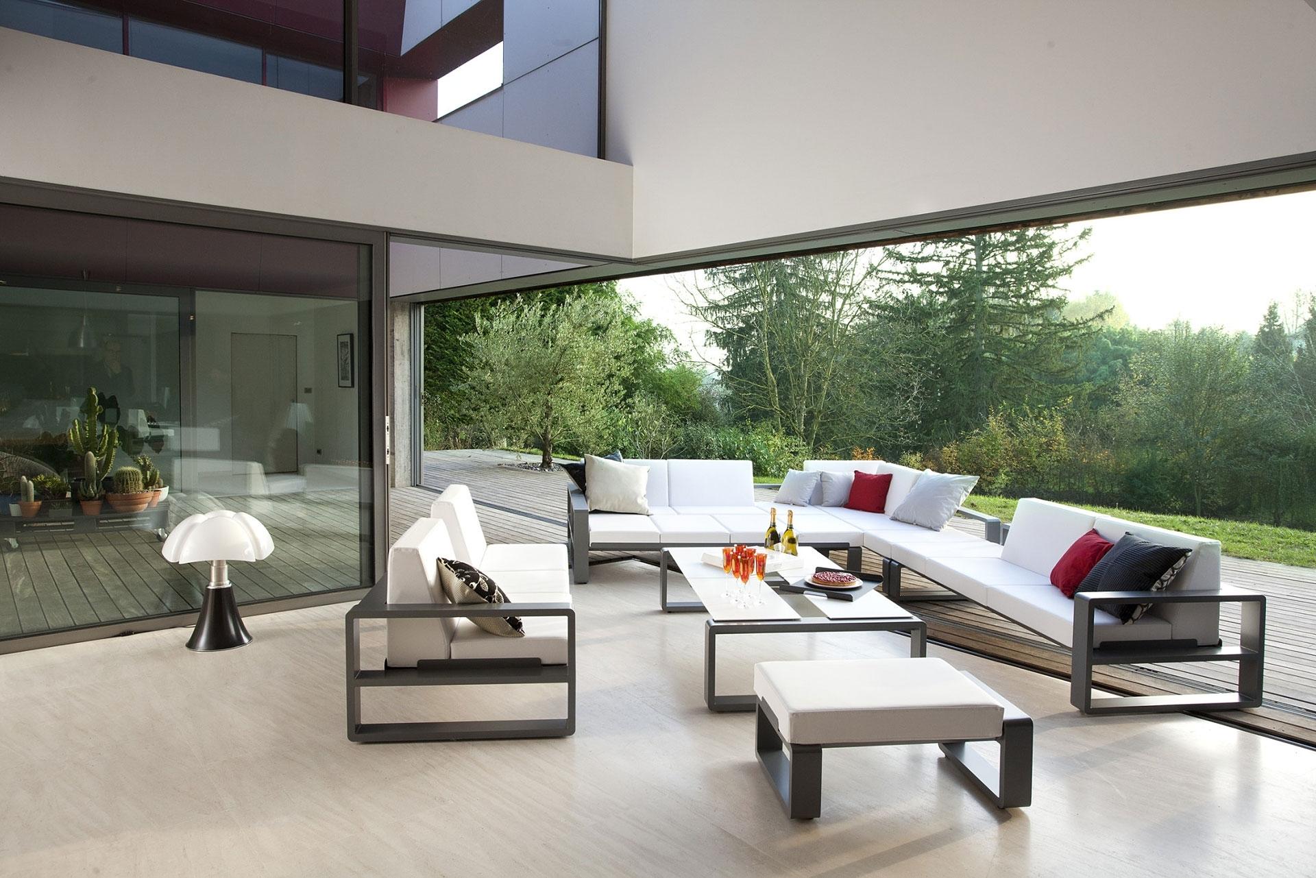 contemporary outdoor furniture  44