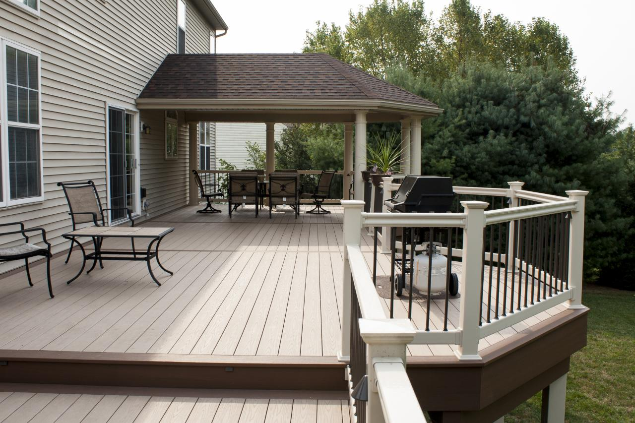 covered deck  04
