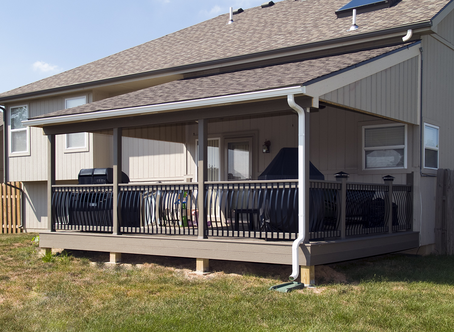 covered deck  25