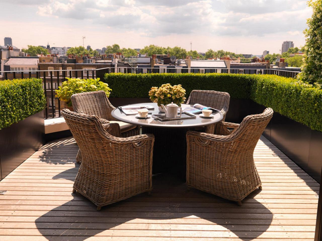 deck furniture  70