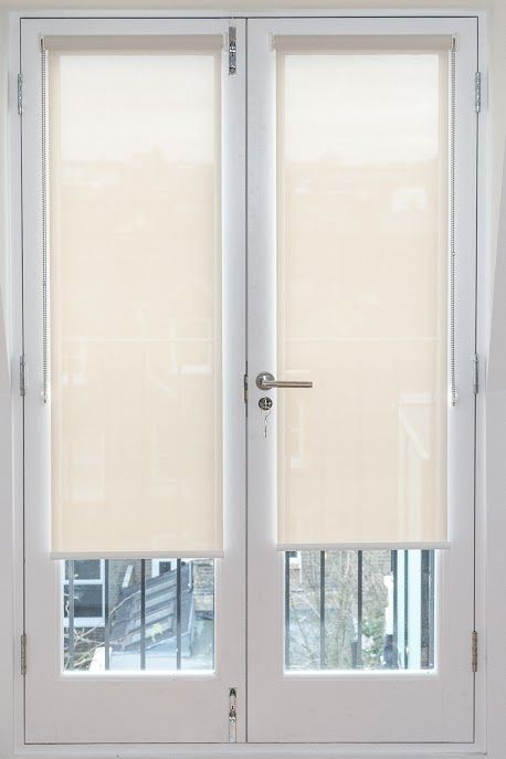 Install the stylish and durable door blinds in home