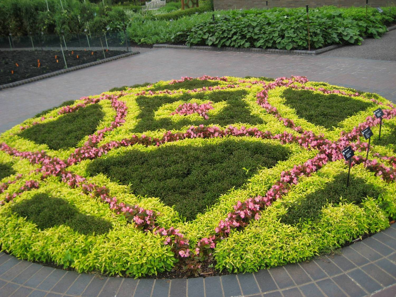 Flower bed designs 74