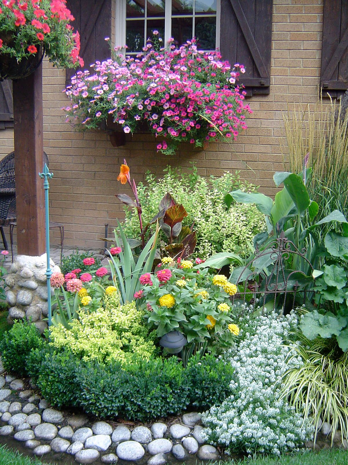 Flower bed ideas  98