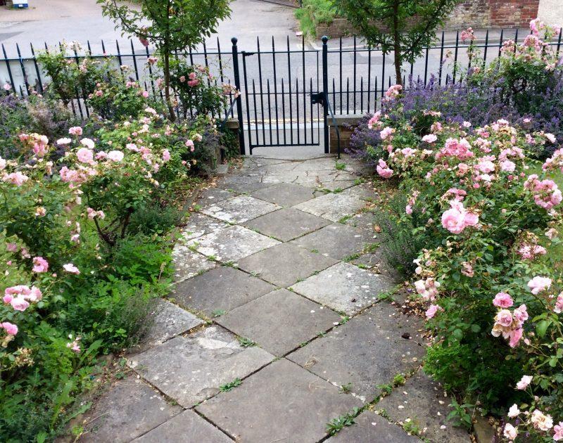 Front garden ideas  10