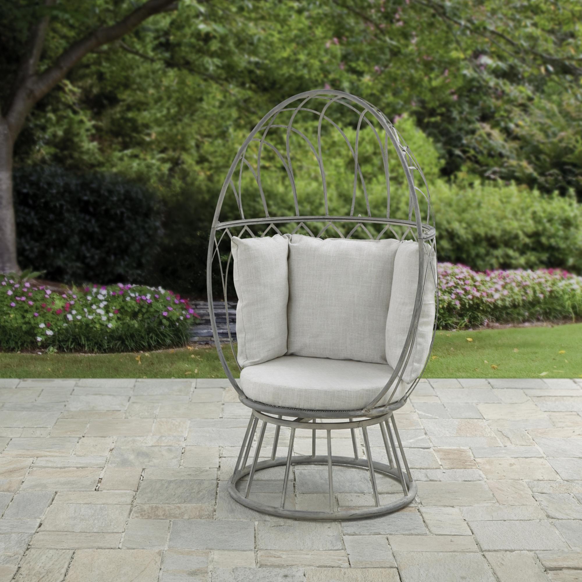 Garden chairs in your spacious gardens