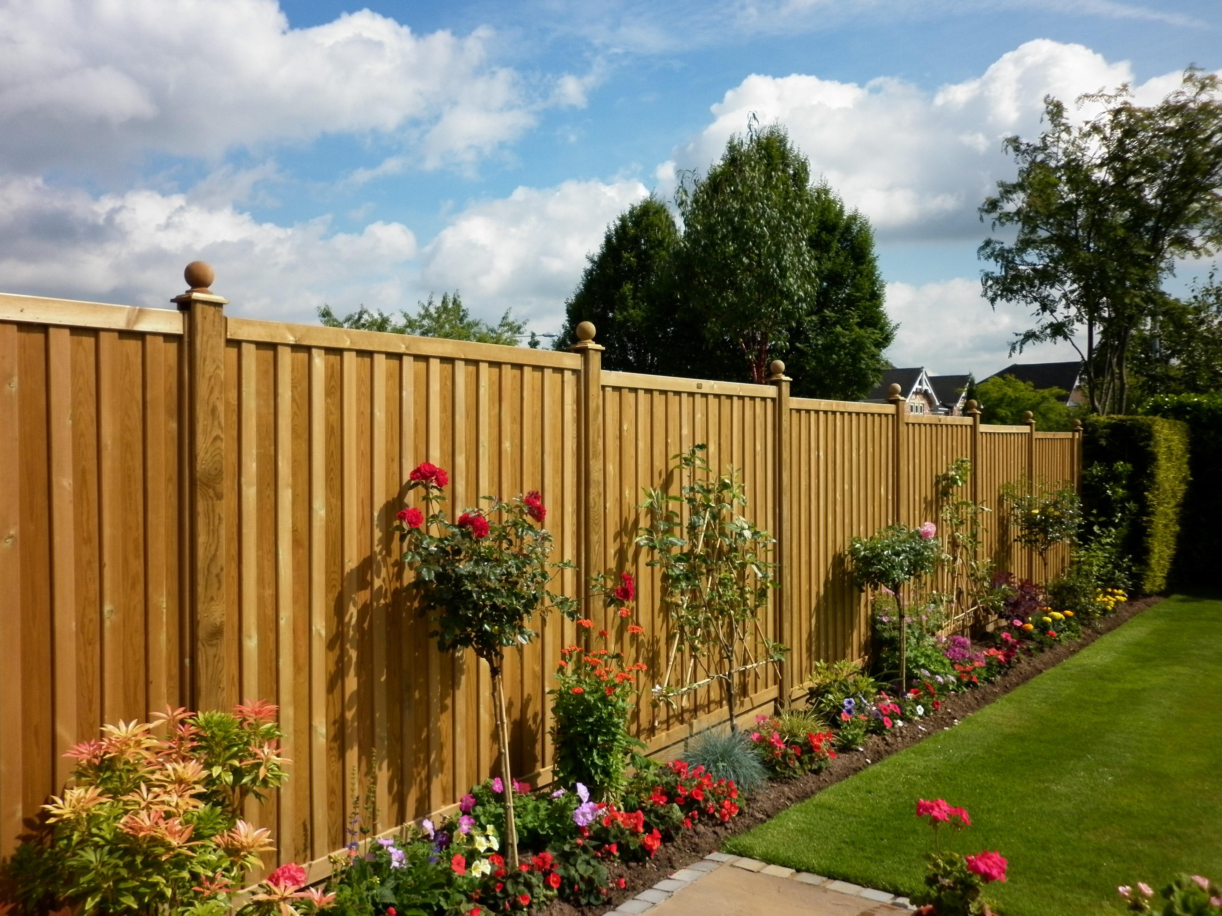 Make your garden fantastic by fencing the best garden fences