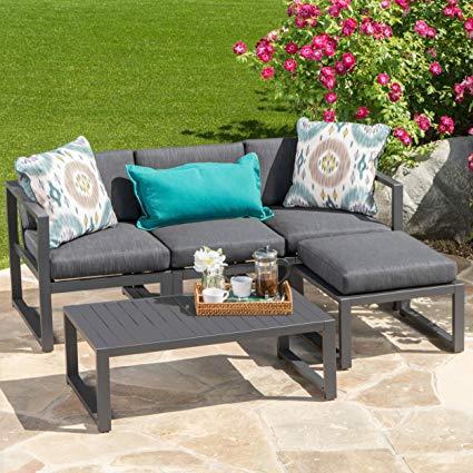 Tips to choose perfect garden furniture set