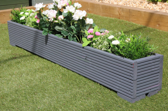 Decorate your garden with best garden planters
