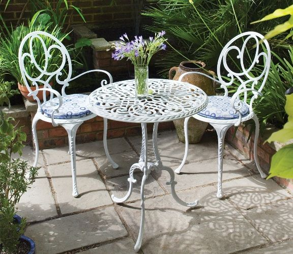 garden tables and chairs  02