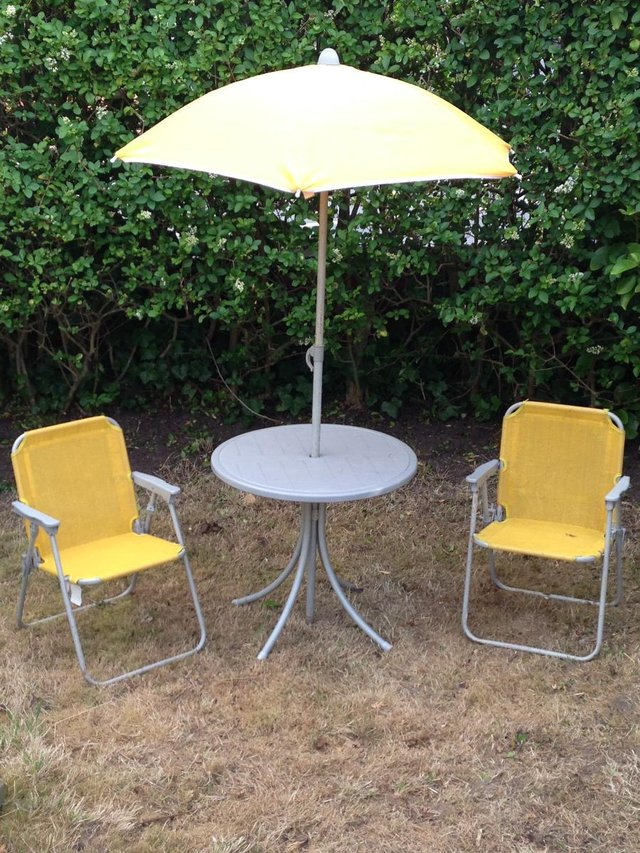 garden tables and chairs  70