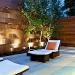 Make your garden beautiful by applying garden wall ideas
