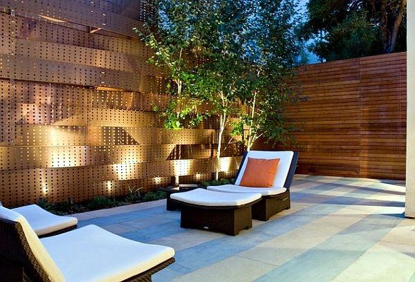 Make Your Garden Beautiful By Applying Garden Wall Ideas Carehomedecor