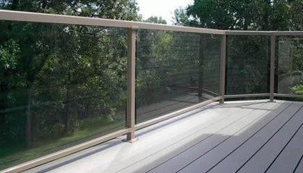 Advantages of glass deck railings