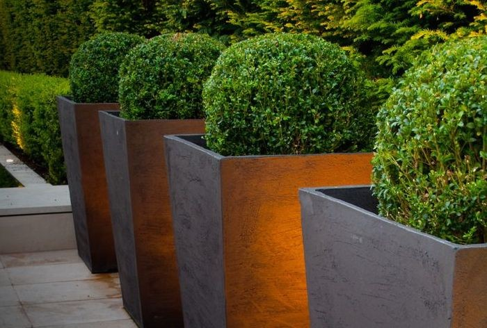large garden planters  14