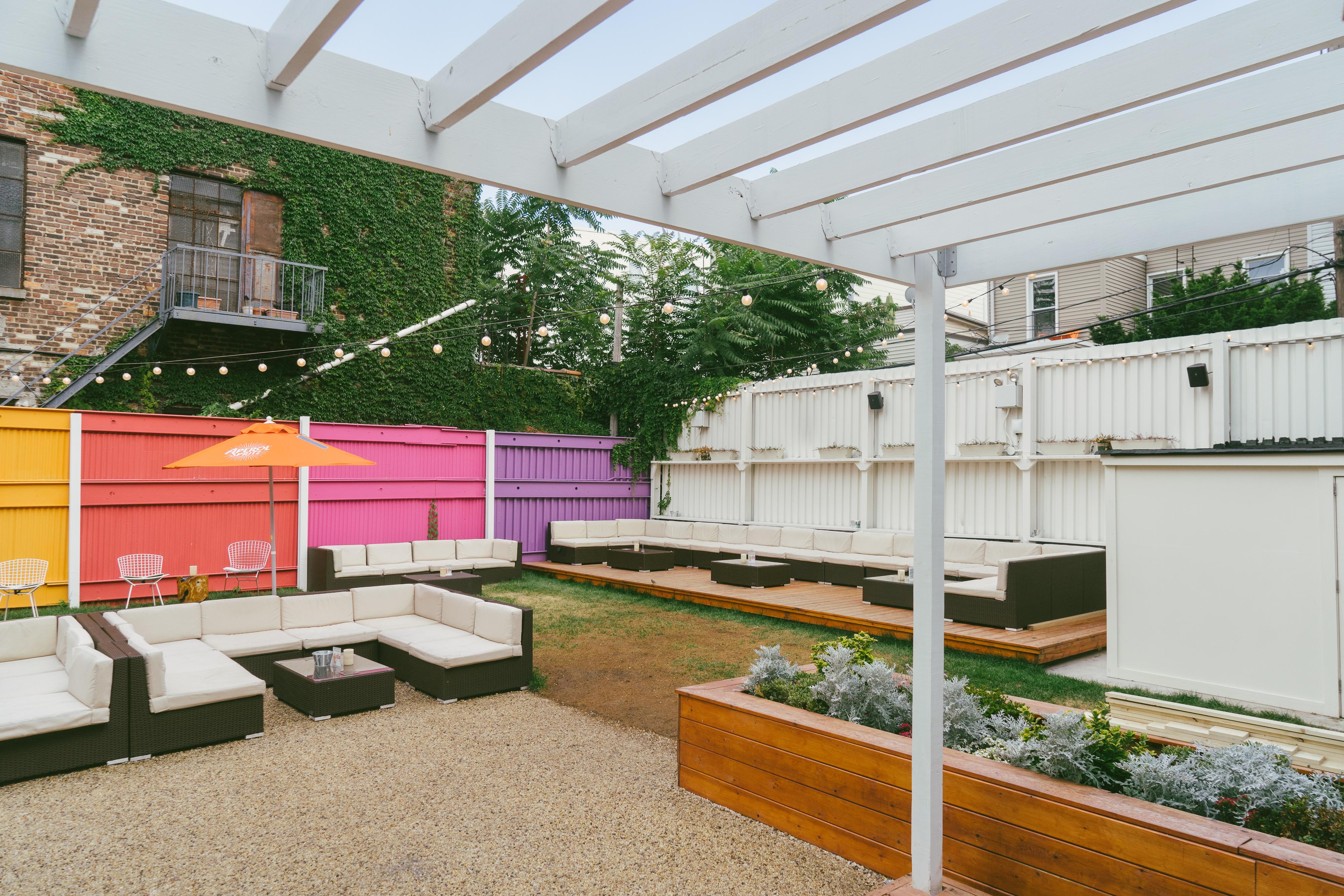 outdoor bars  81