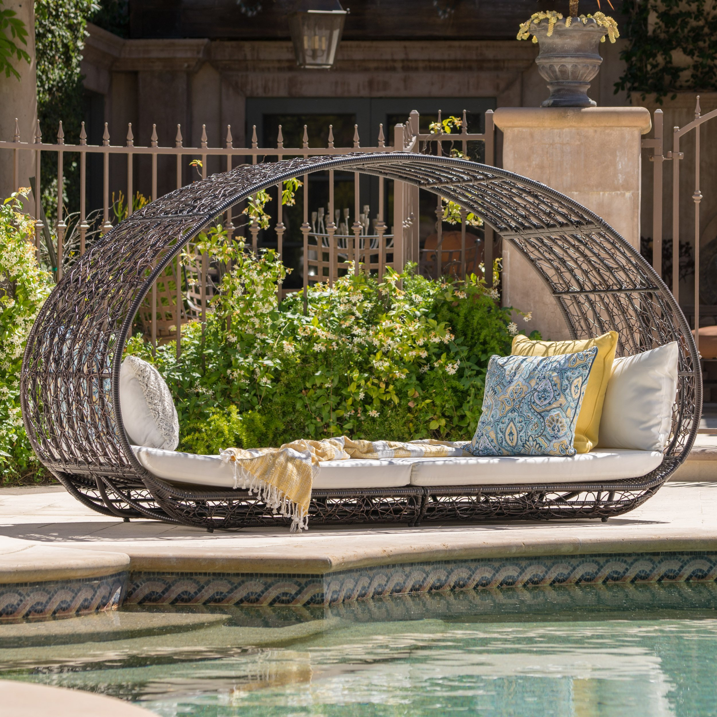 outdoor daybed  05