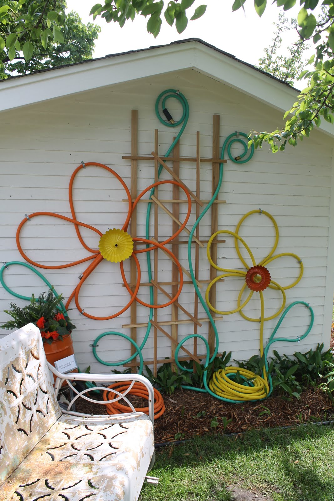 outdoor decorations  85