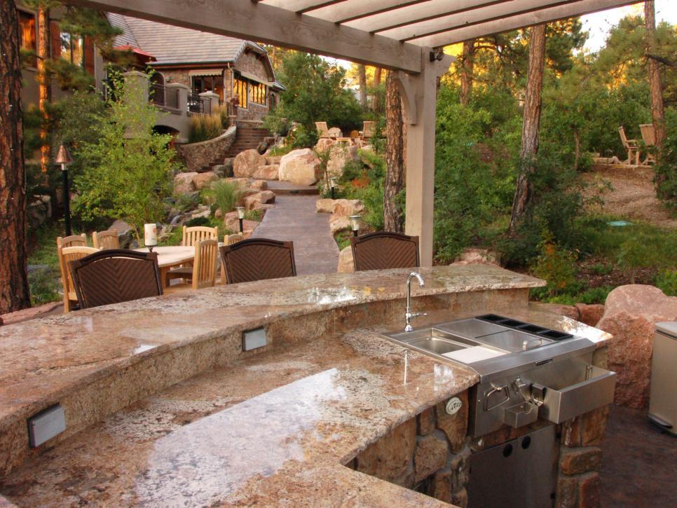 Outdoor kitchen designs  87