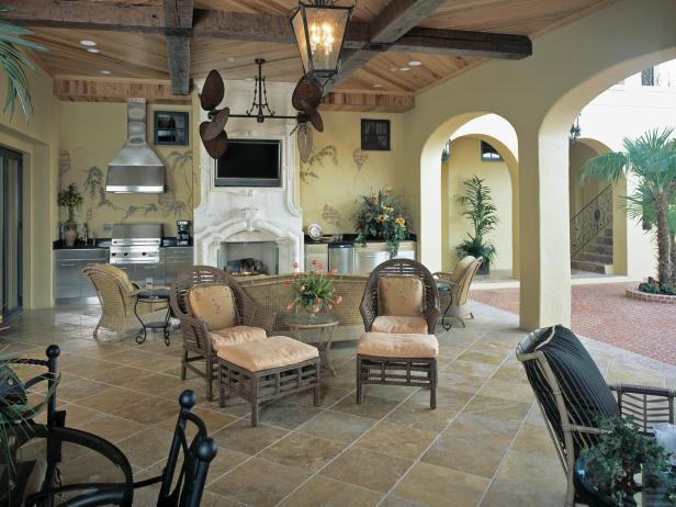 outdoor living room  72