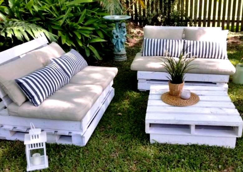 outdoor lounges  84