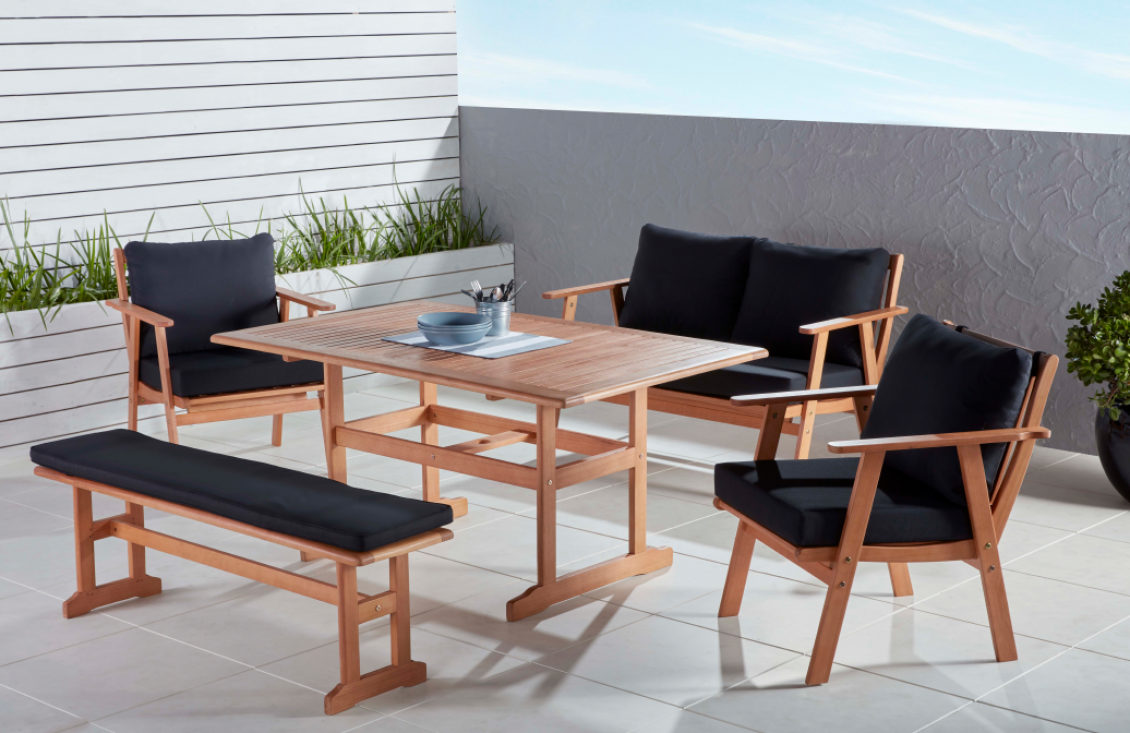 Comfortable and relaxing Outdoor Settings