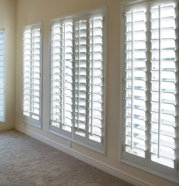 Plantation blinds  41