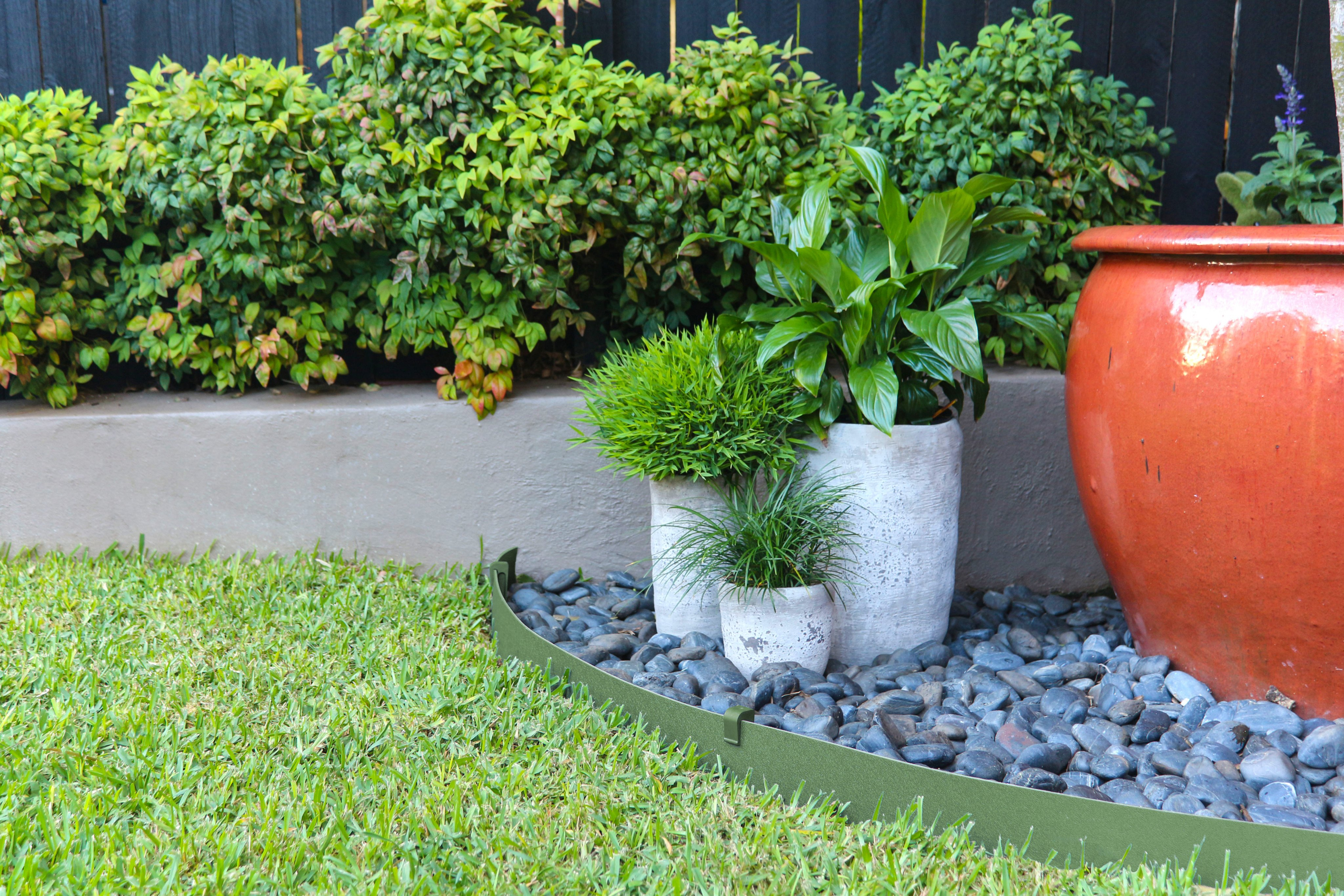 Plastic garden edging – Better fit to your lawn edging
