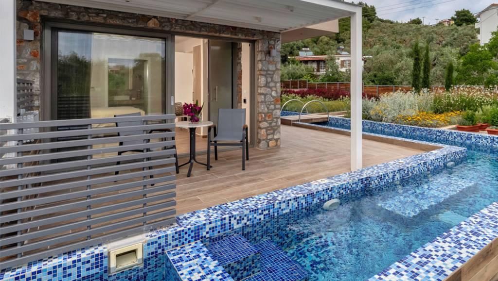 plunge pool  57