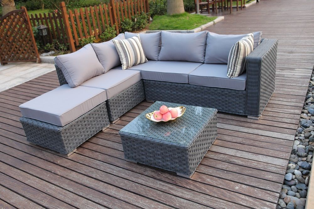 Get appealing designs in Rattan sofa sets - CareHomeDecor