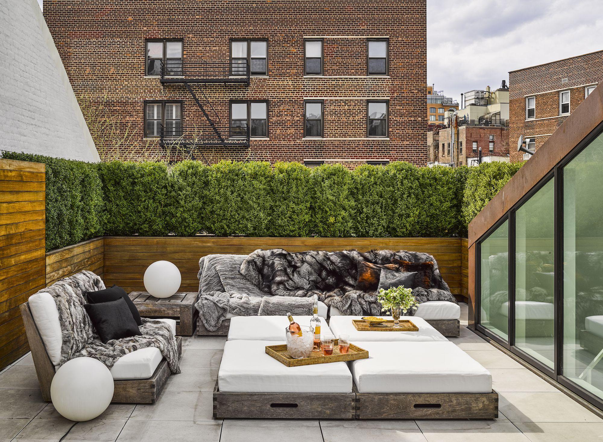 small patio furniture  96
